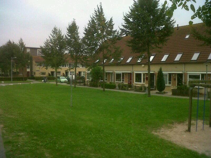 Agnes Hoogendoorn-contact-Isadora Duncanweg 87-Almere